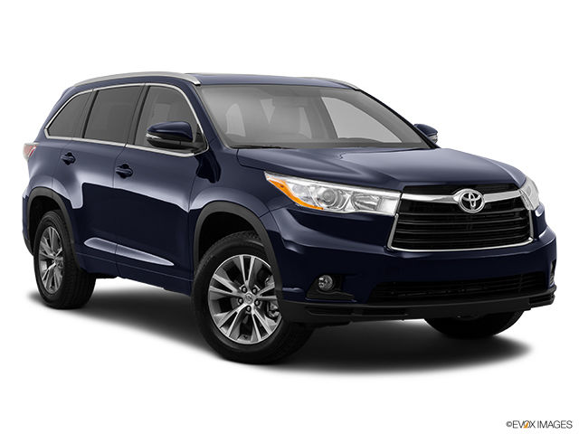 new 2015 toyota highlander xle awd for sale in pincourt. Black Bedroom Furniture Sets. Home Design Ideas