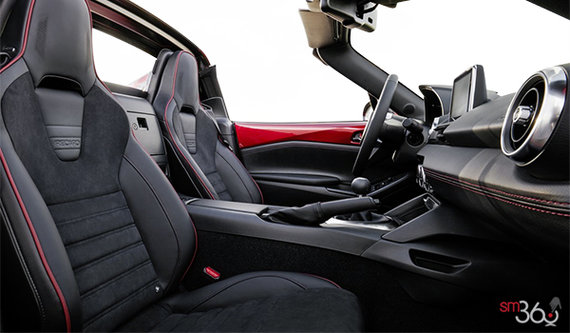 Recaro Seats with Black Nappa Leather and Alcantara with Red Piping