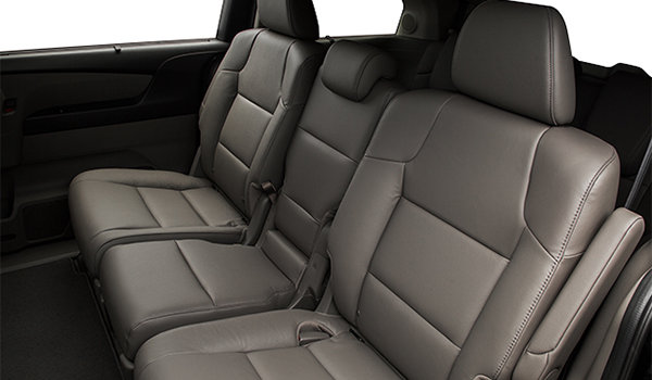 2017 Honda Odyssey TOURING | Photo 2 | Truffle Leather