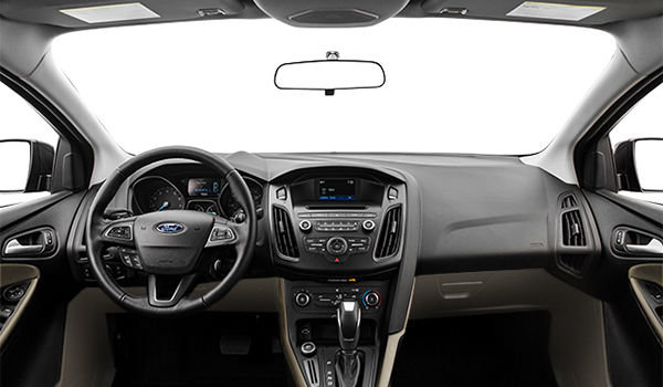 2018 Ford Focus Sedan SE | Photo 3 | Medium Light Stone Premium Cloth