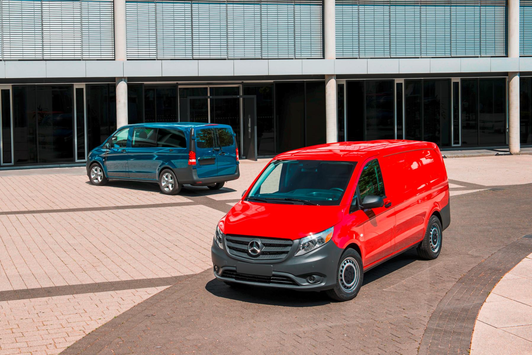 Mercedes benz metris mid size commercial van by mercedes for Mercedes benz commercial van