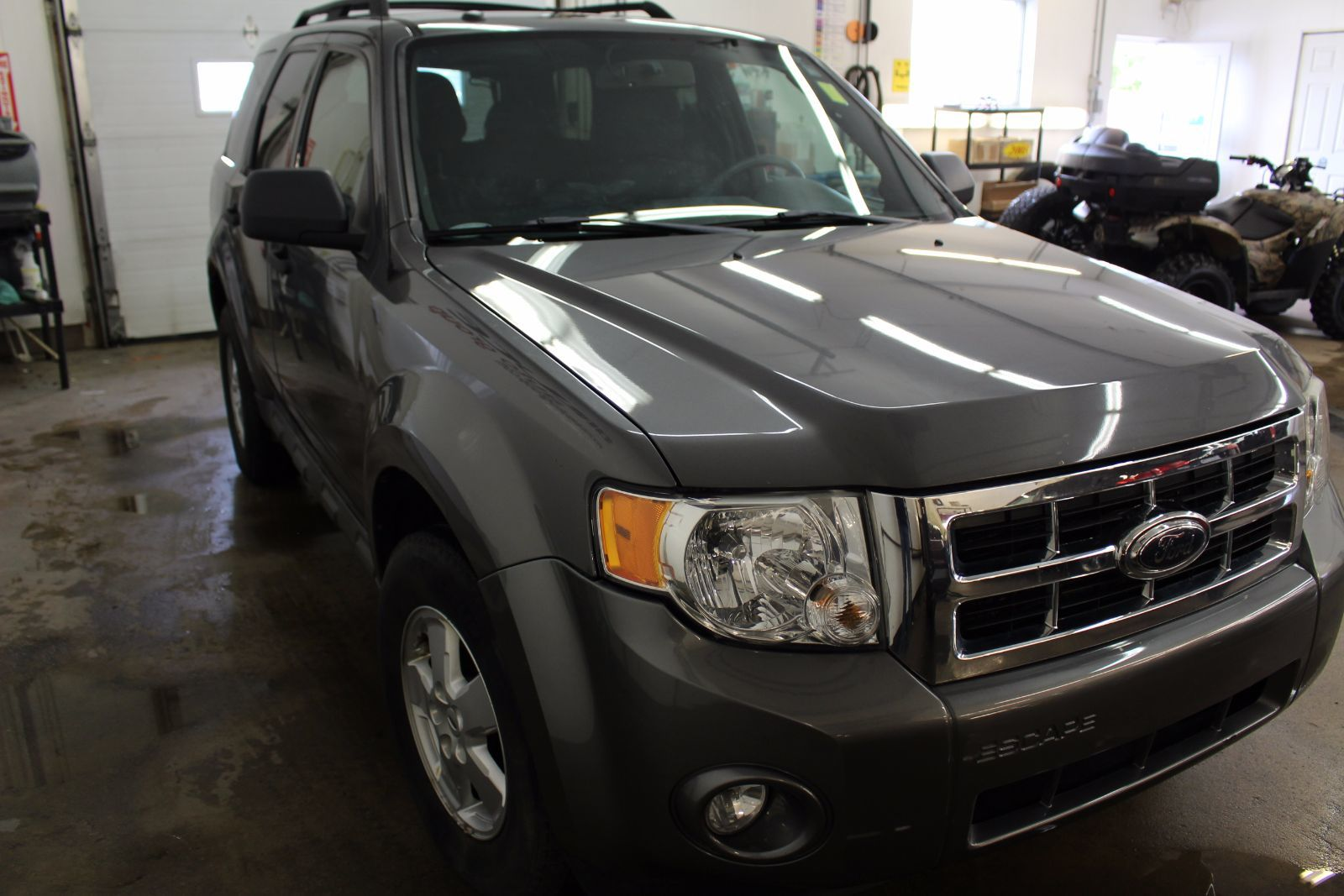 used 2009 ford escape xlt 2 5l 4 cyl automatic awd in middleton f17246b. Black Bedroom Furniture Sets. Home Design Ideas
