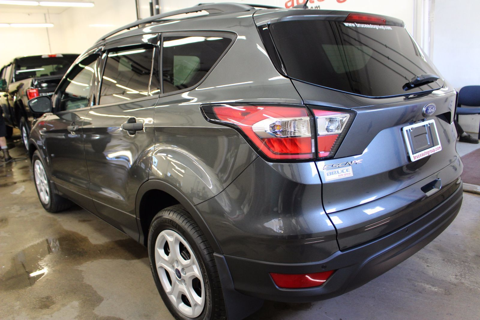 new 2017 ford escape s 2 5l 4 cyl duratec automatic fwd in middleton f17016. Black Bedroom Furniture Sets. Home Design Ideas