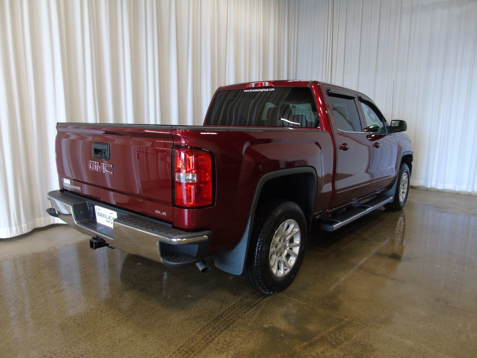 new 2017 gmc sierra 1500 sle 5 3l 8 cyl automatic 4x4 crew cab in middleton gd17016. Black Bedroom Furniture Sets. Home Design Ideas