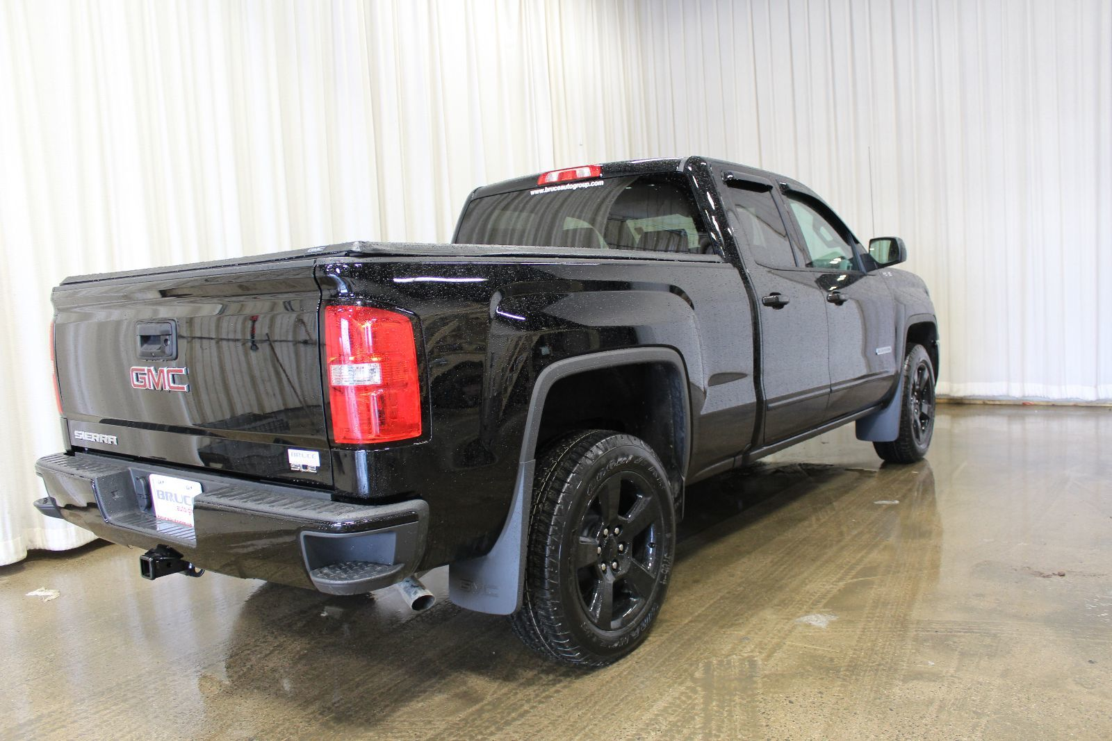 new 2017 gmc sierra 1500 elevation edition 5 3l 8 cyl 4x4 extended cab in middleton gd17193. Black Bedroom Furniture Sets. Home Design Ideas