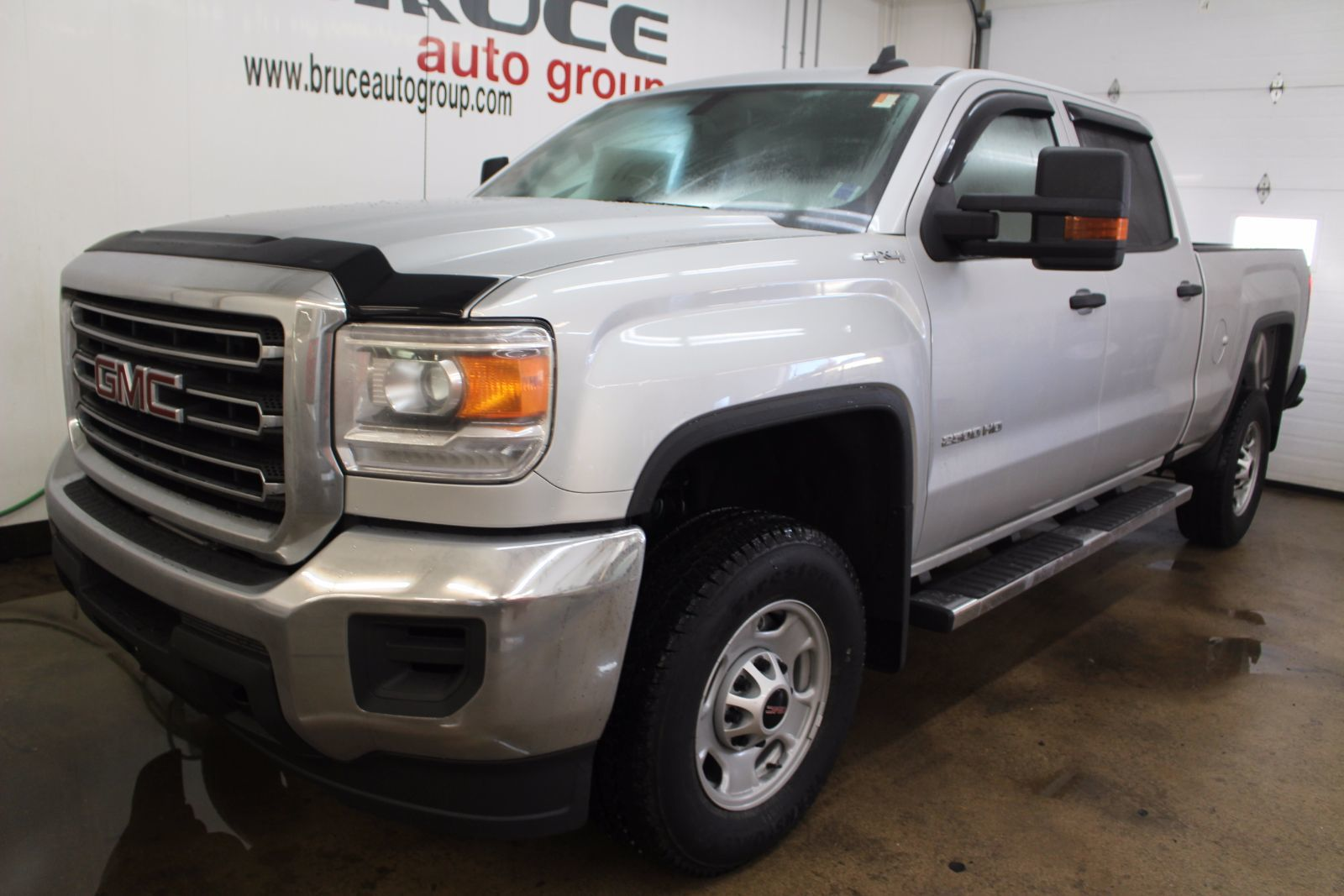new 2017 gmc sierra 2500 hd 6 0l 8 cyl automatic 4x4 crew cab in middleton g17222. Black Bedroom Furniture Sets. Home Design Ideas