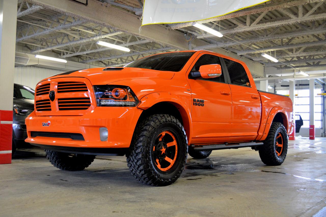 L 233 Vis Chrysler Ram 1500 Sport Orange Plusieurs