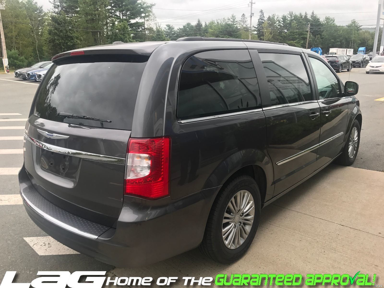 of town country simon vehicle expert grand and limited chrysler dodge used review caravan platinum hill