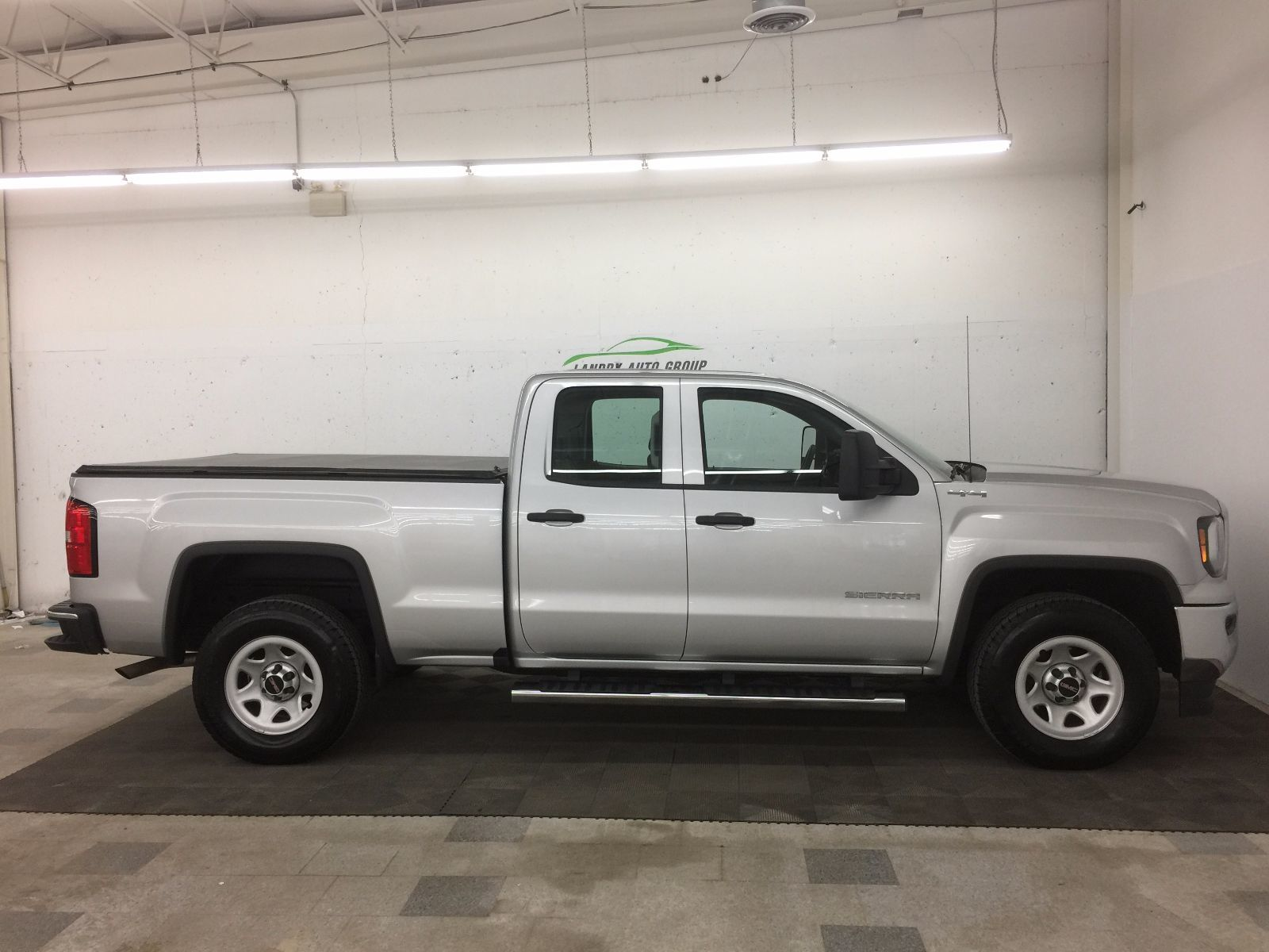 902 auto sales used 2016 gmc sierra 1500 for sale in dartmouth km0835. Black Bedroom Furniture Sets. Home Design Ideas