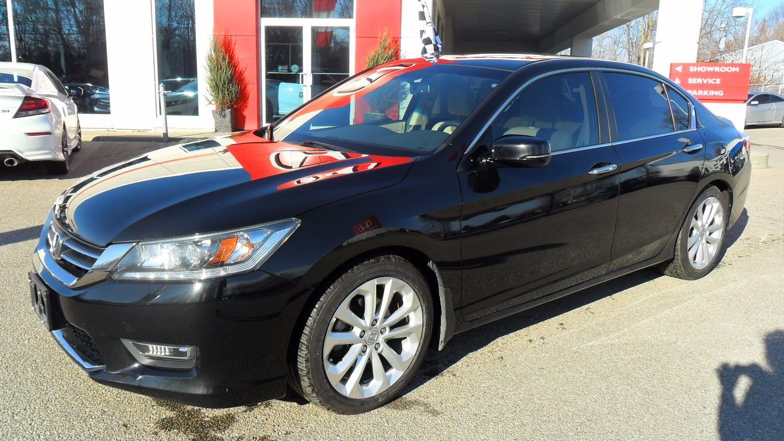 Pre owned 2013 honda accord sedan touring in brockville for Honda used inventory
