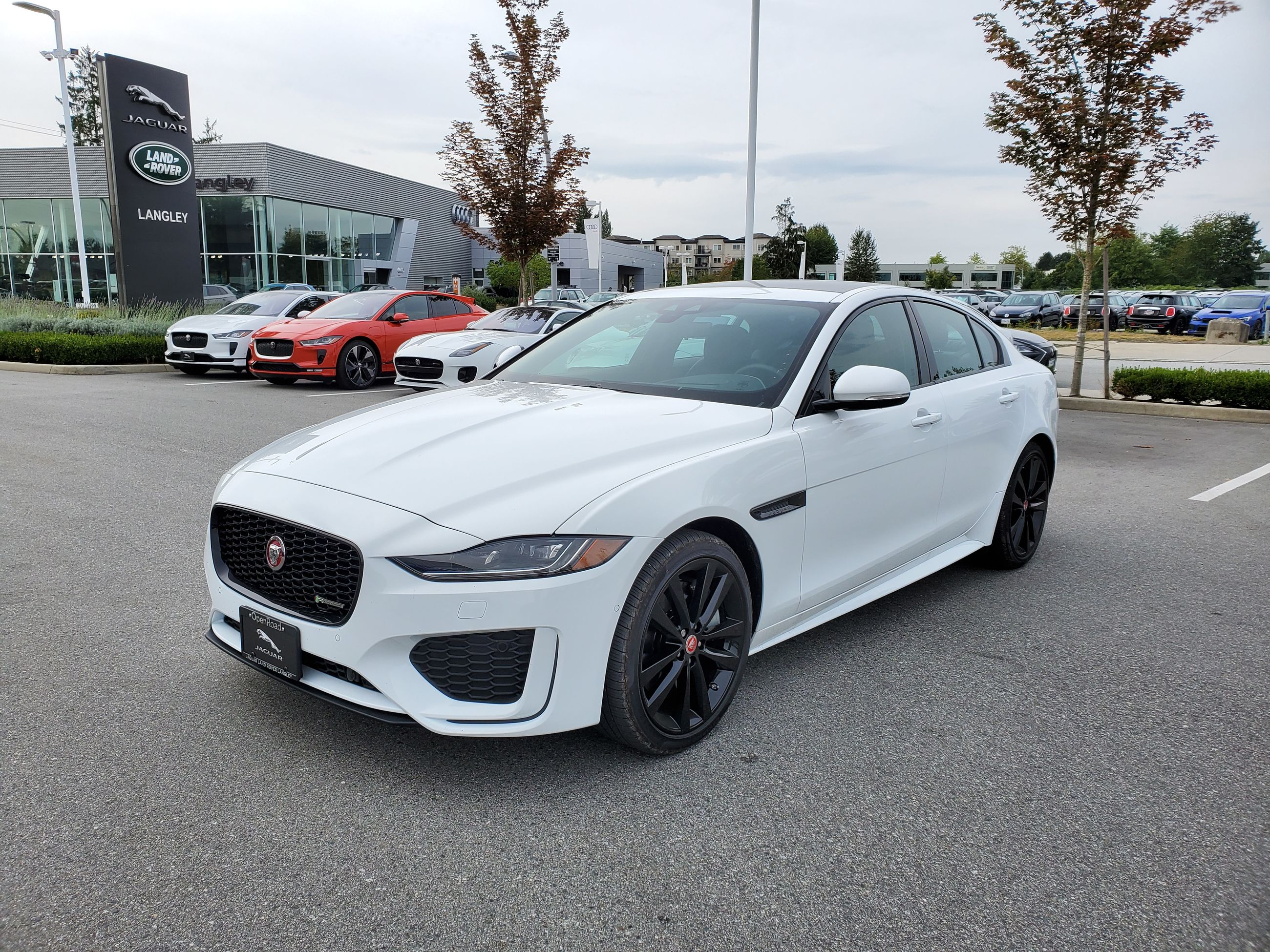 new 2020 jaguar xe p300 awd r-dynamic se - $60830.0