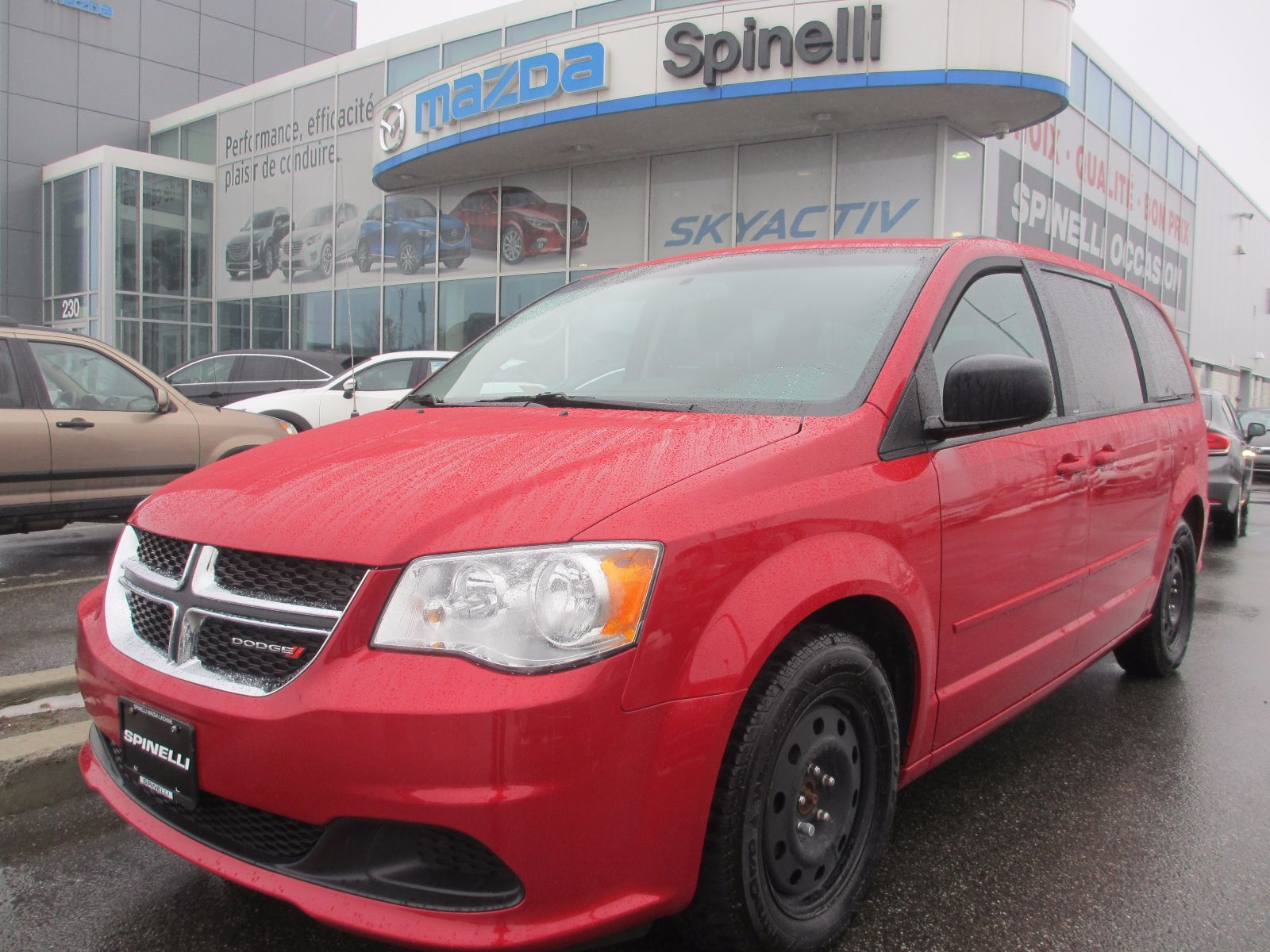 used 2014 dodge grand caravan sxt deal pending dvd in montreal laval and south shore p6779. Black Bedroom Furniture Sets. Home Design Ideas