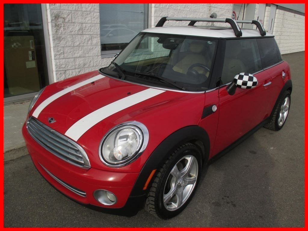 used 2010 mini cooper deal pending ac cuir toit pano for sale in montreal 160756a. Black Bedroom Furniture Sets. Home Design Ideas