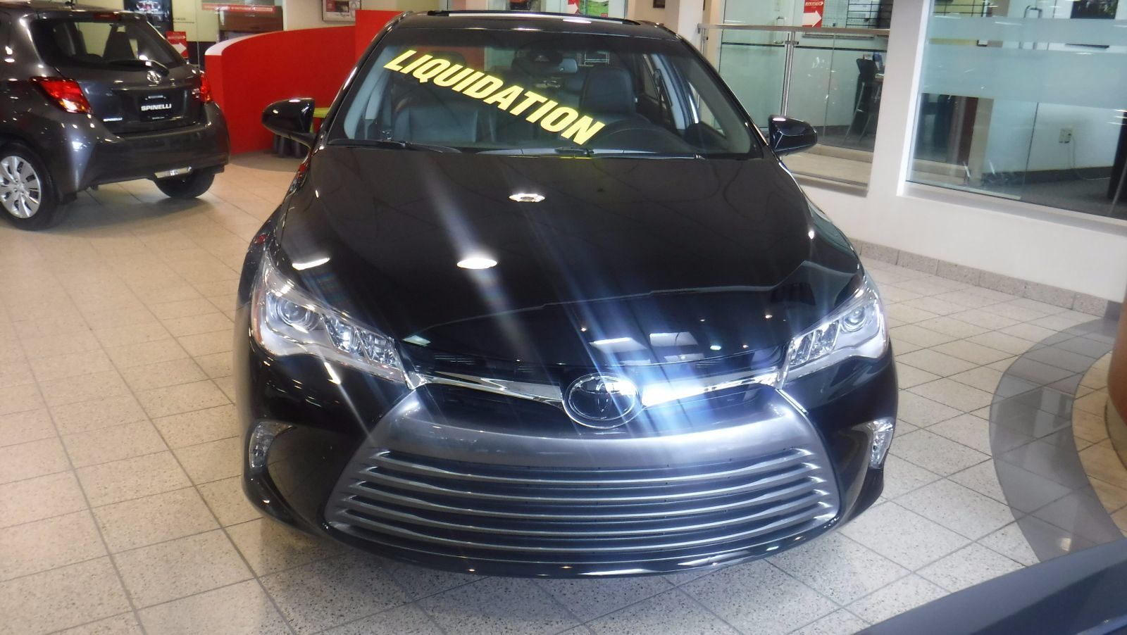 used 2016 toyota camry xle v6 for sale in montreal demo 16t0872 spinelli toyota lachine. Black Bedroom Furniture Sets. Home Design Ideas