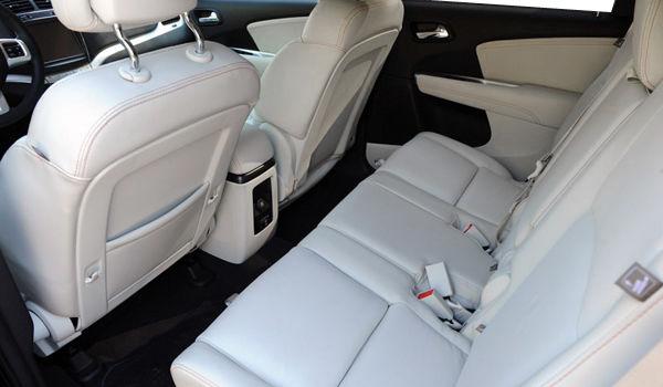 Dodge journey 2013 - cuir gris perle avec coutures contrastantes