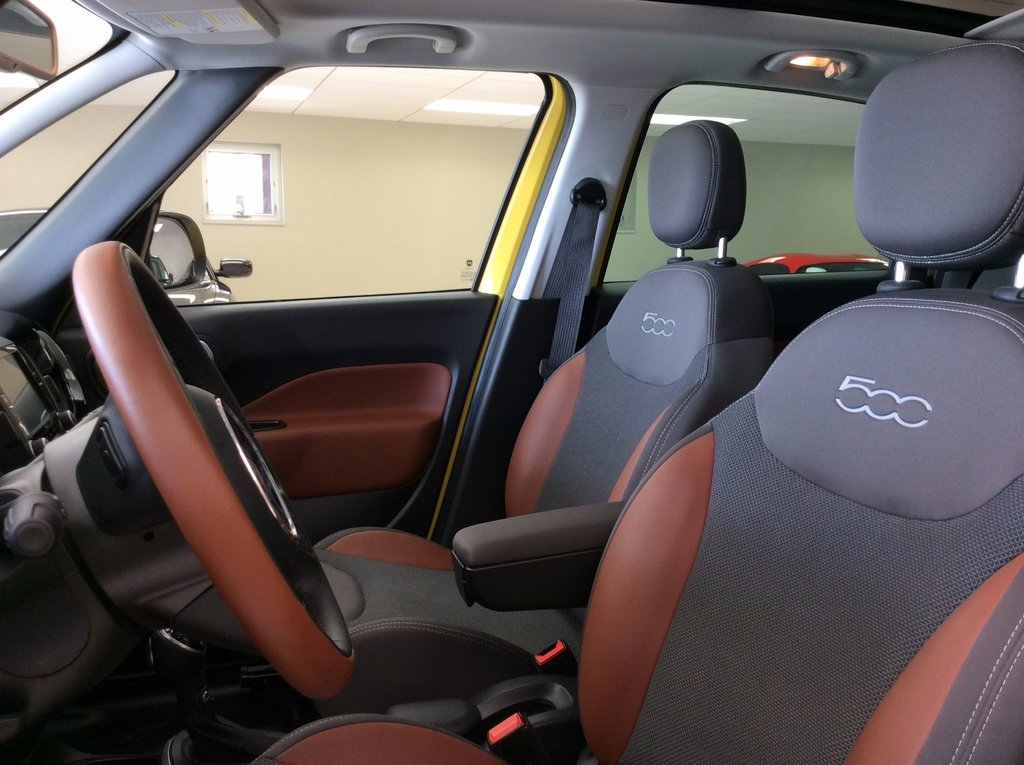 used 2014 fiat 500l trekking toit ouvrant panoramique in laurier station used inventory. Black Bedroom Furniture Sets. Home Design Ideas