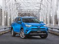 Le Toyota RAV4 Hybride 2017 et la Toyota Prius 2017 sont les véhicules verts de l'année selon l'AJAC