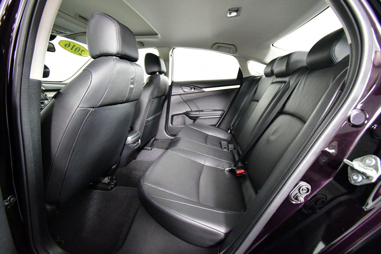 Photo Honda Civic Sedan TOURING. Sunroof. Alloy Wheels. 2016
