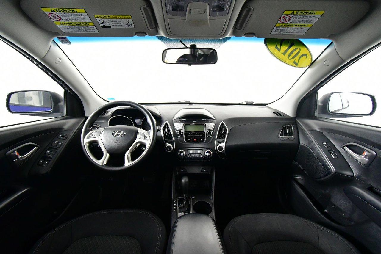 Photo Hyundai Tucson GL AWD. Heated seats. 2012