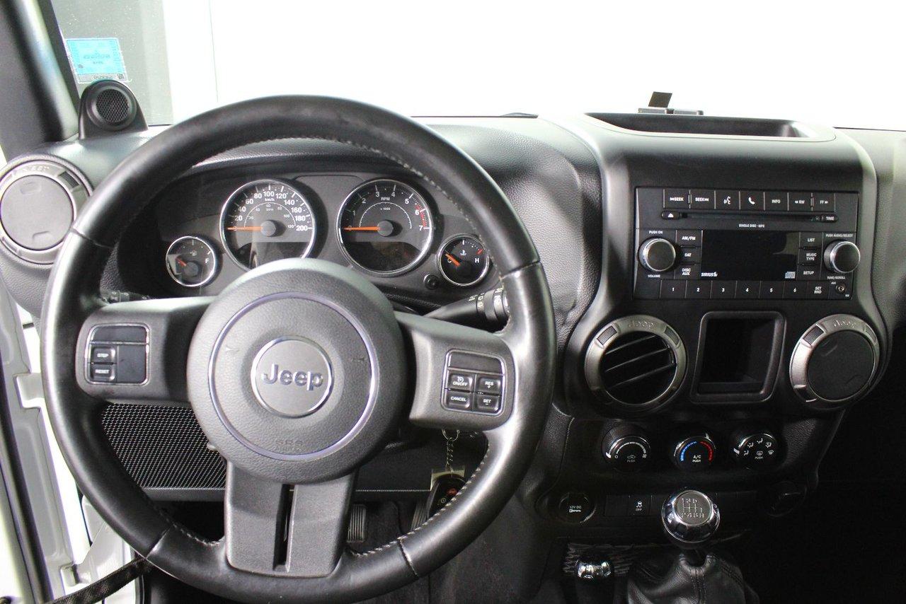 Photo Jeep Wrangler SPORT HARDTOP 2011