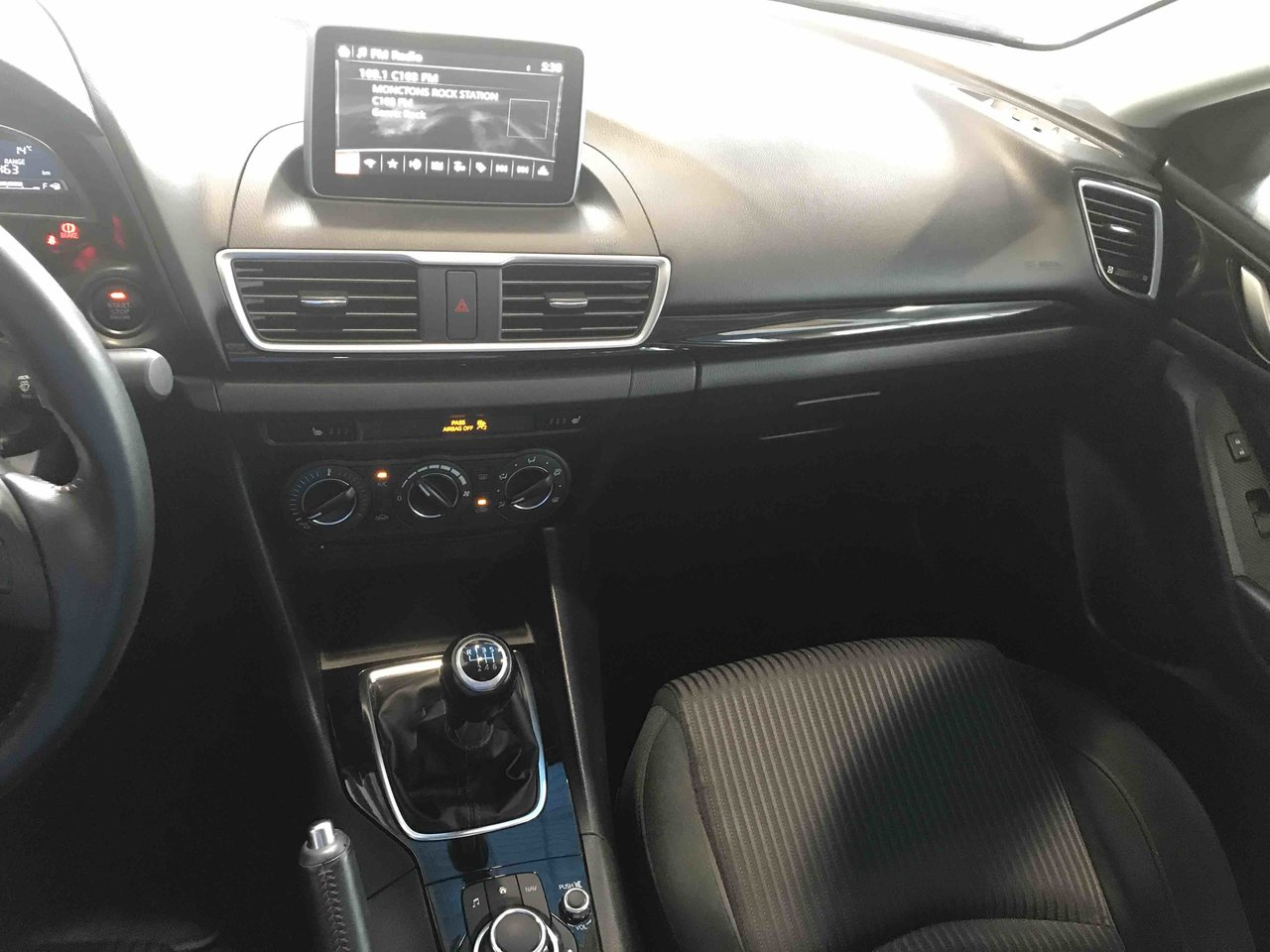 Photo Mazda Mazda3 0.9% FINANCING! MANUAL! BLUETOOTH! 2014