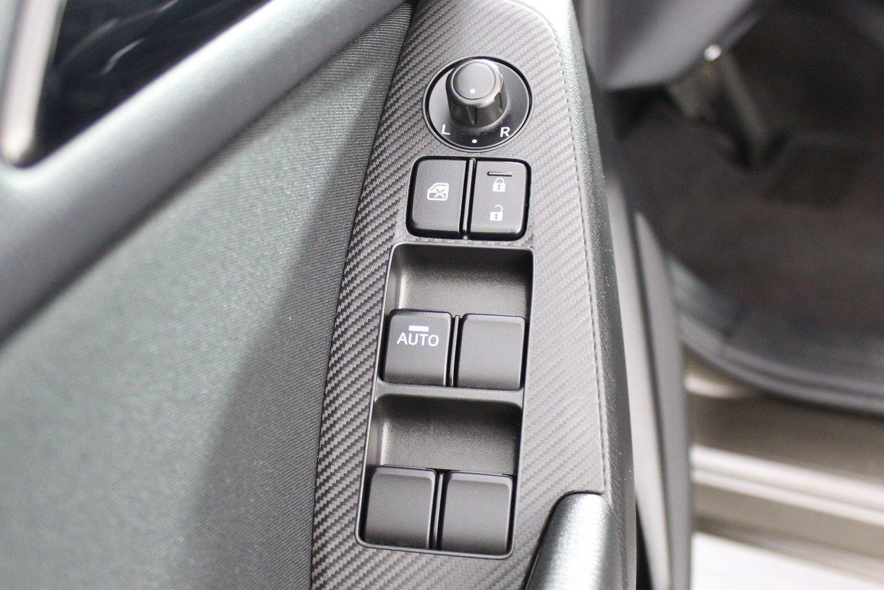 Photo Mazda Mazda3 0.9% Financing! Skyactiv Engine 2014