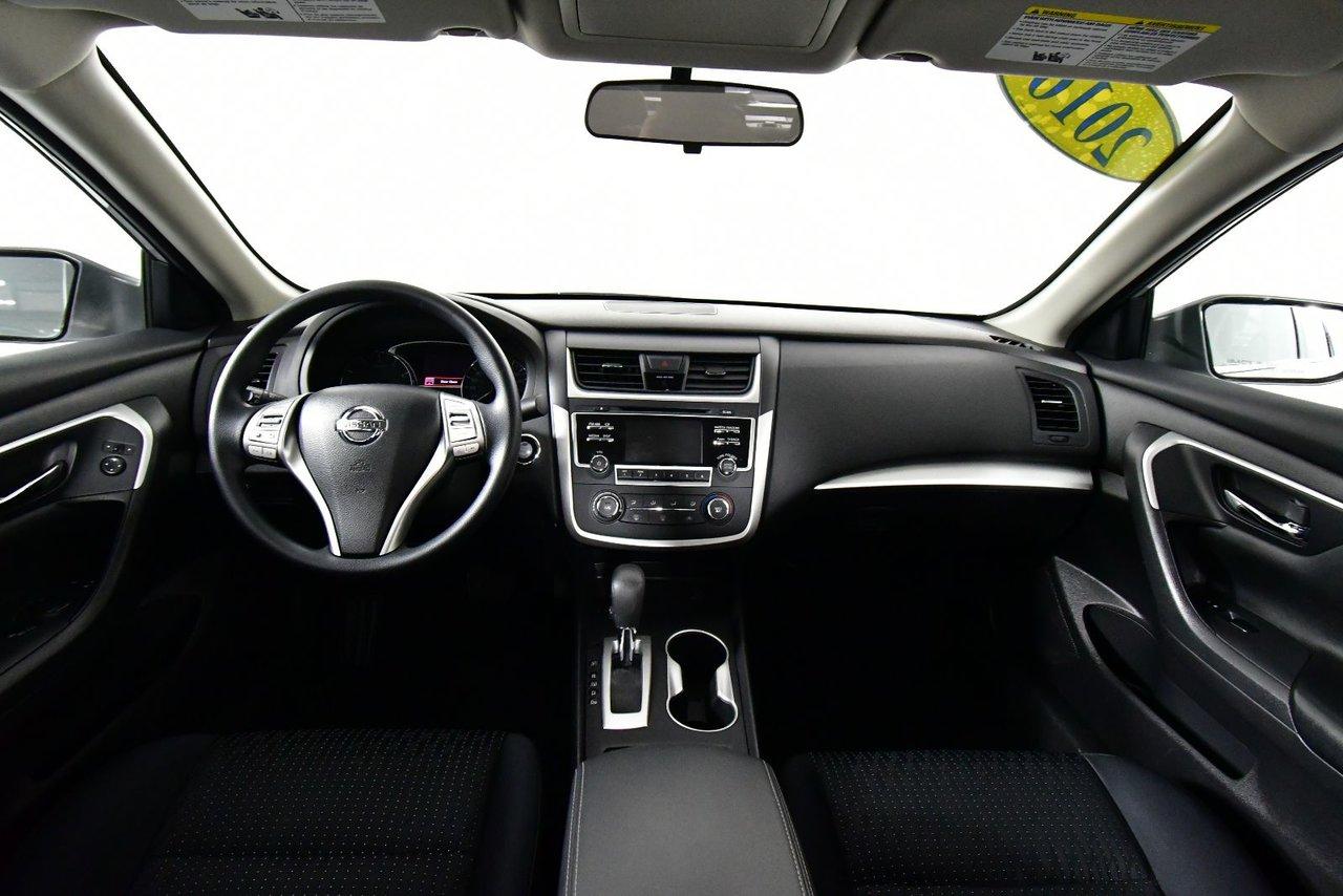 Photo Nissan Altima 2.5S. Fog lamps. Low kilometers. 2016 bas kilometrage