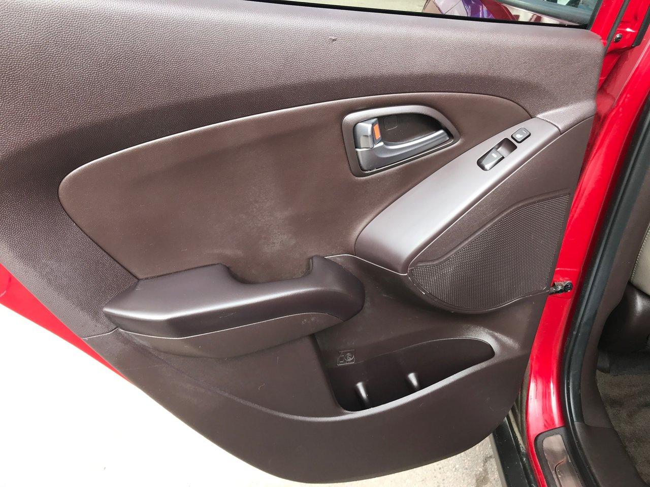 Photo 2014 Hyundai Tucson LIMITED! LEATHER! AWD! PANO ROOF! LIMITED! LEATHER! AWD! PANO ROOF!