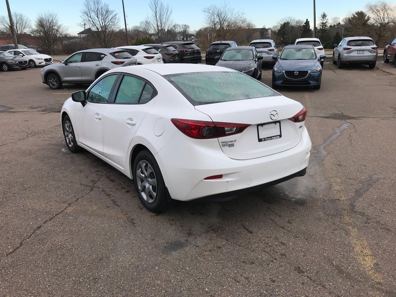 Photo 2014 Mazda Mazda3 0.9% FINANCING! AUTOSTART! SKYACTIV! ONLY 46K! 0.9%FINANCING! AUTOSTART! SKYACTIV! ONLY 46K!