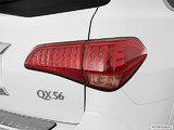 QX 56 8 places 2012
