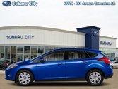 2012 Ford Focus Titanium,LEATHER,SUNROOF,BACK UP CAMERA, BLUETOOTH,ALUMINUM WHEELS, WINTER WHEELS INCLUDED!!!
