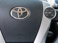 2012 Toyota Prius v TOURING