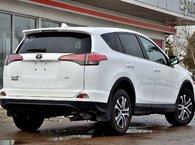 2016 Toyota RAV4 LE FWD !!!