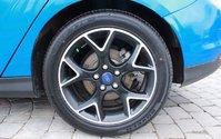"2013 Ford Focus SE, Heated Cloth, Fogs, 17"" Alloys Black Accents"