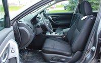 2017 Nissan Altima SV Moonroof & Navigation Package