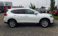 2017 Nissan Rogue SV AWD Moonroof, Family, & Technology Package