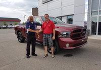 Un très gros merci à un client fidèle M. Simon Caron qui va conduire un tout nouveau Ram 1500. Bonne route.