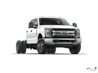 2017 Ford Chassis Cab F-350 XLT | Photo 3 | Oxford White