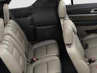 2017 Ford Explorer XLT | Photo 2 | Medium Light Camel Leather