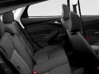 2017 Ford Focus Hatchback SE | Photo 2 | Charcoal Black Premium Cloth