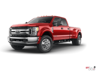 2018 Ford Super Duty F-450 XLT | Photo 3 | Race Red
