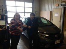 Je suis content de ma nouvelle voiture et du bon service de Tammy Aubie et Mylaine Bertin.