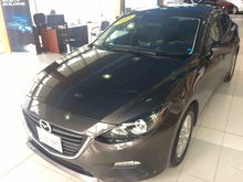 Photo Mazda 3 GS Only 48k! 6-Speed Manual! Factory Warranty! 2015
