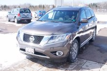 Photo 2015 Nissan Pathfinder Only 24k! Sunroof! Leather! AWD! IIHS Top Safety!