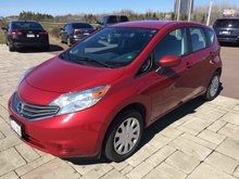 Photo 2015 Nissan VERSA NOTE SV Automatic! One Owner! Fuel efficient!