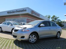 Toyota Yaris SEDAN 2012