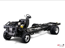 2017 Ford Stripped Chassis E-350 DRW   Photo 2