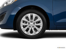 2017 Hyundai Elantra GT GL   Photo 3