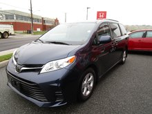 2018 Toyota Sienna LE 8-Passenger w/Entune 3.0, $263.33 B/W BIG SAVINGS FROM NEW, MUST SEE