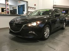 Mazda Mazda3 GS, SIEGES CHAUFFANTS, BLUETOOTH, CAMERA, TOIT 2016 JAMAIS ACCIDENTÉ, DÉMARREUR A DISTANCE
